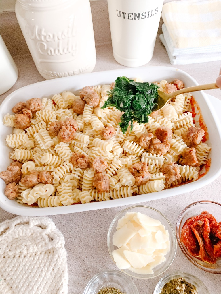 This image has an empty alt attribute; its file name is jamie_krause_home_living_kaslo_christmas_pasta_21.jpeg